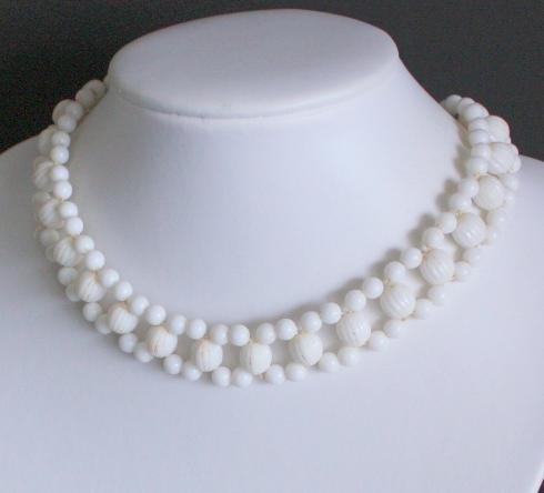 Vintage Art Deco White Beads Choker Necklace