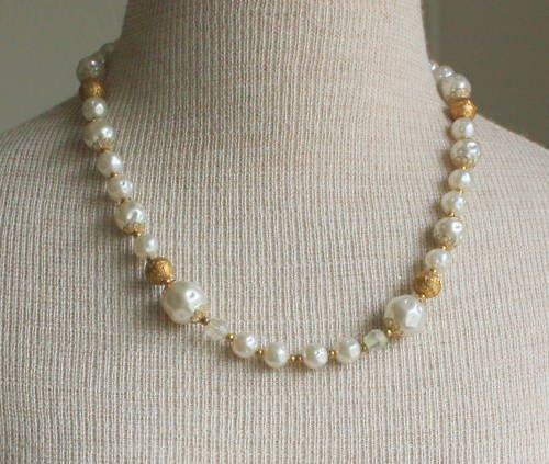 Vintage Art Deco White Baroque Faux Pearl Necklace