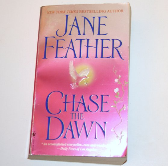 Chase the Dawn by JANE FEATHER Historical American Revolution Romance 2004