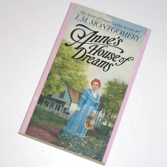 Anne's House of Dreams by L M MONTGOMERY Children's Book 1987 Anne of Green Gables Series