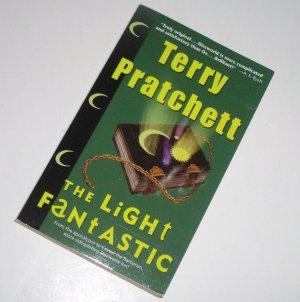 The Light Fantastic by TERRY PRATCHETT Fantasy 2000 Discworld Series