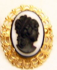 So Retro Cameo Pin Goldtone metal Costume
