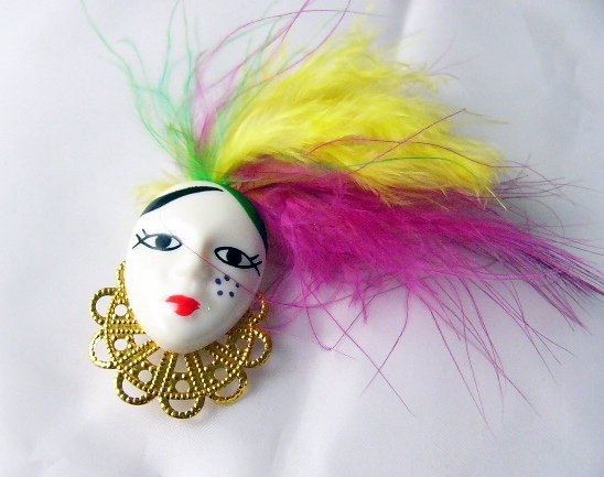 Lady Flapper Face Head pin Feathers Yellow Green Purple