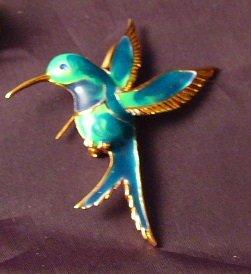 Hovering Hummingbird pin enamel vintage