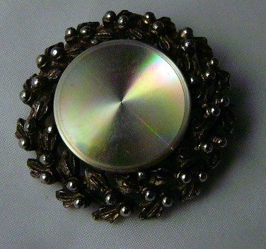 Jewelart Pin Brooch wreath Iridescent center POP