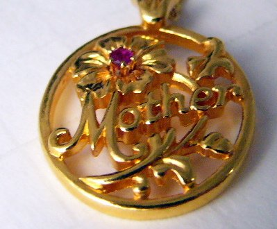 Avon Goldtone Mother Necklace Flower rhinestone