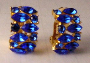 Vintage Shades of Blue rhinestone earrings clip