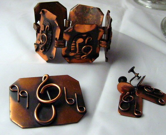 Modern Copper Bracelet Pin Pendant musical notes Parure