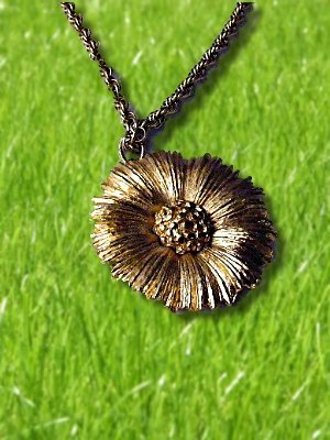 Vintage Monet BIG Flower Necklace  goldtone chain