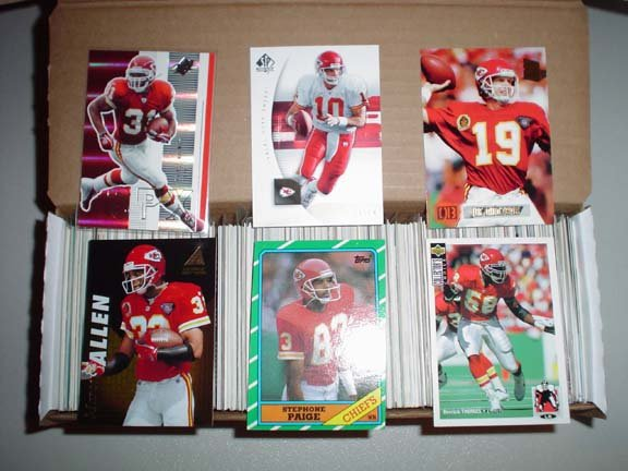 Collection of Kansas City CHIEFS Football Cards ***FREE SHIPPING***