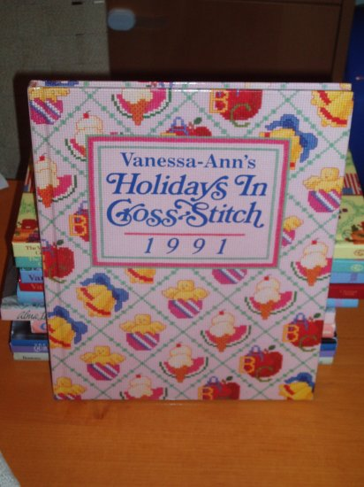 VANESSA-ANN HOLIDAYS IN CROSS-STITC (1991)