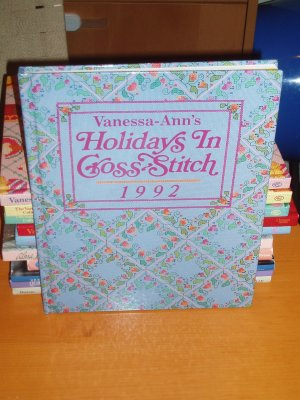 VANESSA-ANN HOLIDAYS IN CROSS-STITC (1992)