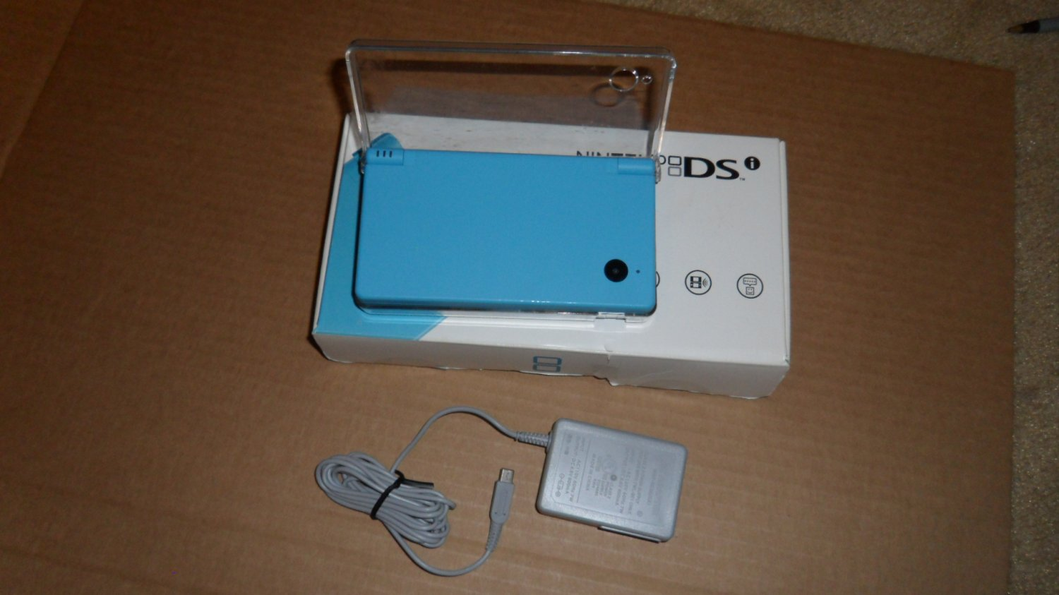 Nintendo DSi Blue with Pokemon game book- Mint Condition - FREE SHIPPING!!