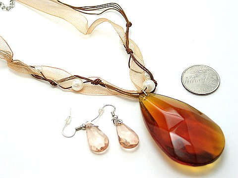CHUNKY BROWN SIMULATED TOPAZ GLASS FAUX PEARL RIBBON NECKLACE SET
