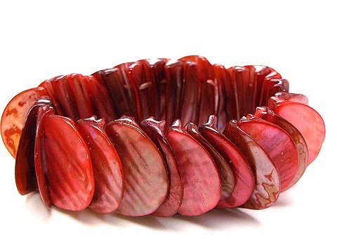 RED SHELL BANGLE BRACELET -