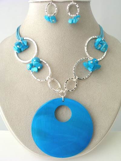 CHUNKY BLUE TURQUOISE AQUA SHELL SEED BEAD NECKLACE SET