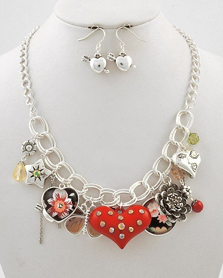 NEW CHUNKY RED SPRING HEART FLOWER CHARM NECKLACE SET