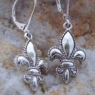 NEW TEXTURED SILVER TONE FRENCH FLEUR DE LIS EARRINGS