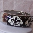 BLACK WHITE FRENCH FLEUR DE LIS FLOWER BANGLE BRACELET