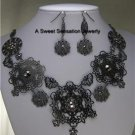 FILIGREE BLACK GRAY FLOWER BUTTERFLY NECKLACE SET