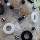HOT BLACK WHITE CIRCLE STRIPE BEAD BALL NECKLACE SET