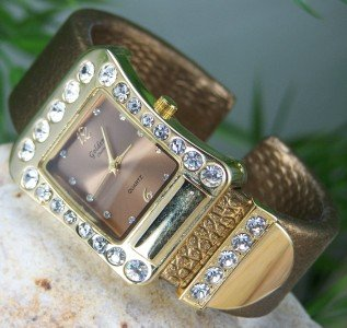 NEW GOLD TONE BROWN LEATHER LOOK CRYSTAL BRACELET WATCH