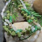 NEW BOHO GREEN WHITE MIX BEAD MULTISTRAND NECKLACE SET