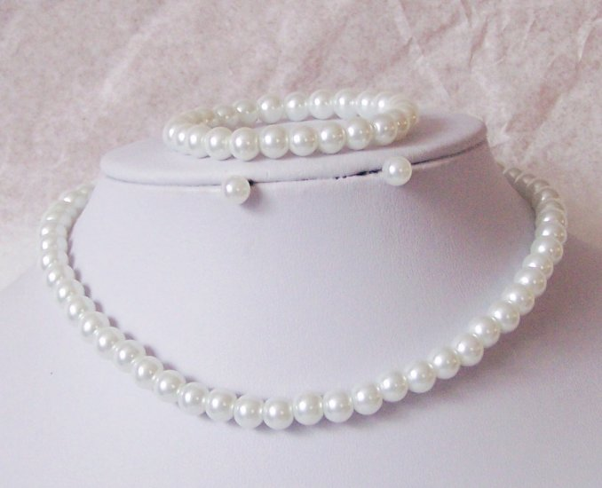 NEW THREE PC KIDS CHILDS GIRLS WHITE FAUX PEARL SET
