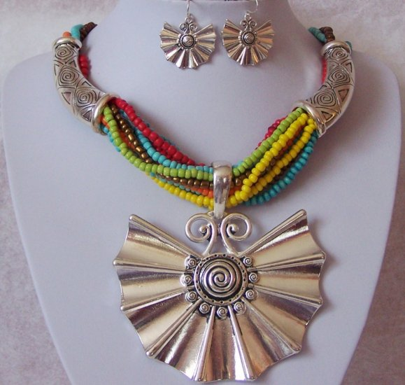 Chunky Multicolor Blue Red Yellow Green Necklace Set