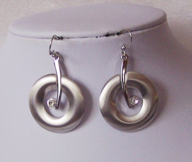 Circle Crystal Silver P Earrings