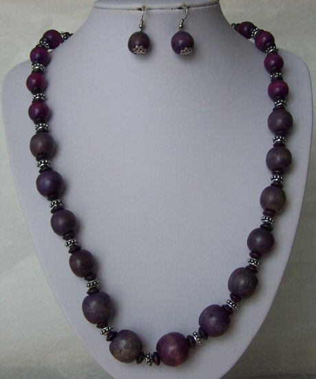 Purple Wood Silver Tone Spacers Necklace Set