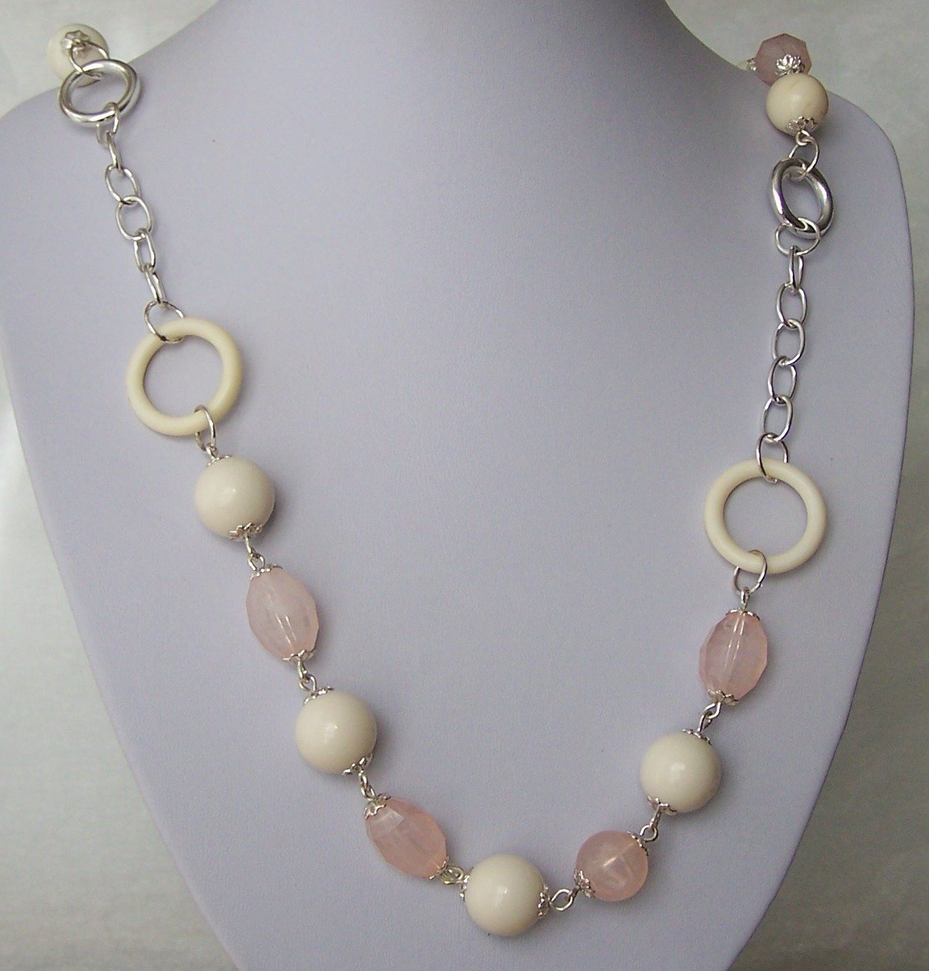 Pink Beige Silver Tone Necklace Set