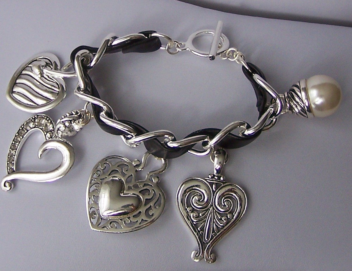 Black Clear Crystal Chunky Filigree Open 3D Heart Love Valentines Day Charm Bracelet