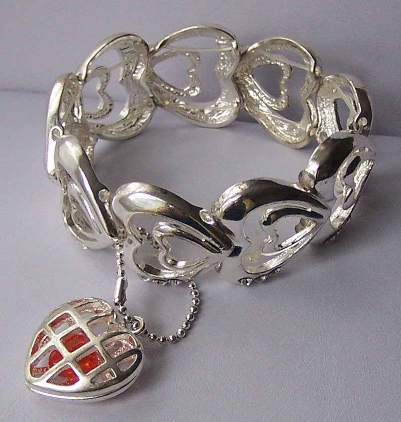 3D Bangle Silver Tone Heart Love Valentines Day Charm Bracelet