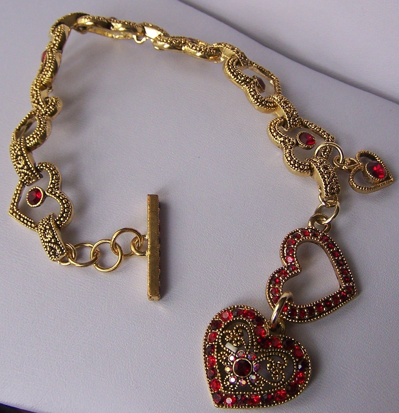 Red Crystal Gold Tone Heart Love Valentines Day Charm  Bracelet