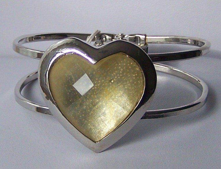 Off White Heart Love Valentines Day Bangle Bracelet