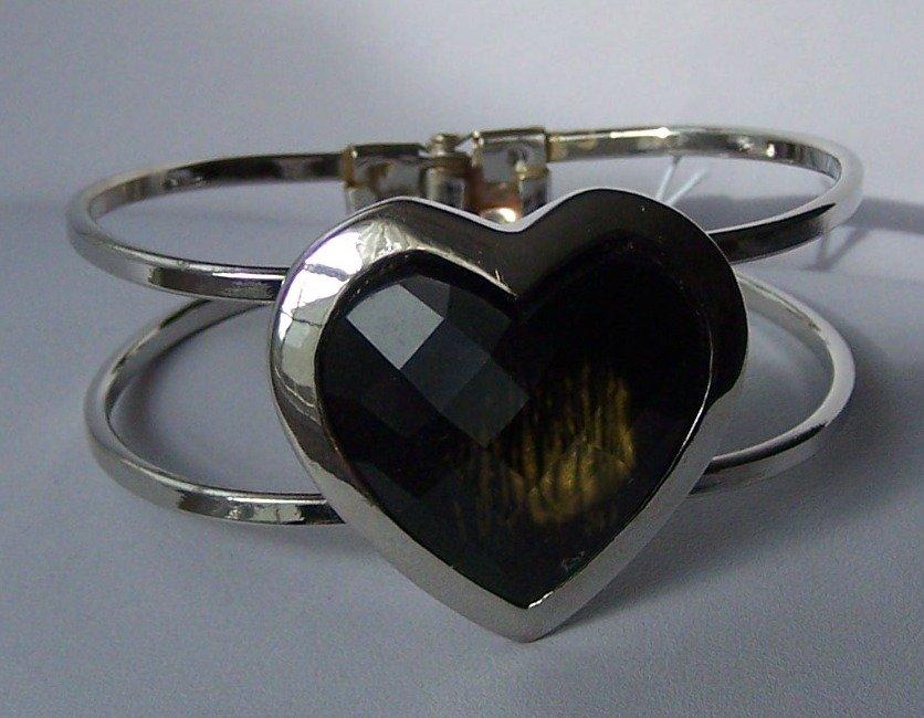 Black Heart Love Valentines Day Bangle Bracelet
