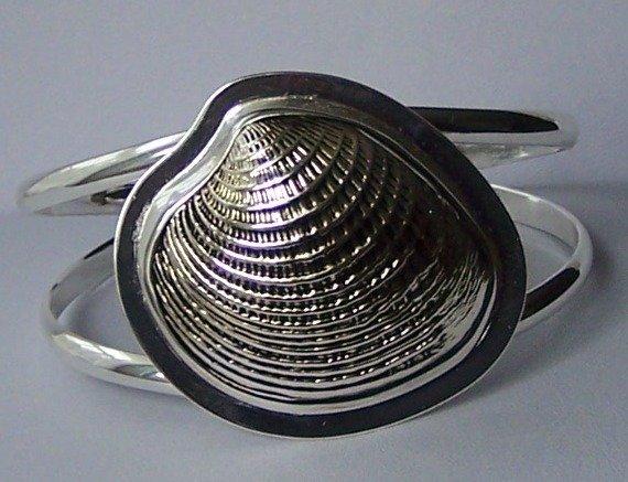 Seashell Silver Tone Chunky Bangle Bracelet
