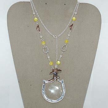 Western Horseshoe Magnifying Eye Glass Badge ID Holder Silver Tone Necklace