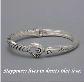 Inspiration Happiness is in Hearts that Love Bracelet