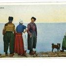 VOLENDAM HOLLAND MEN WOMEN DOG 1928 VINTAGE POSTCARD
