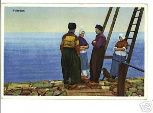 VOLENDAM HOLLAND PEOPLE AT WATER'S EDGE VINTAGE PSTCARD