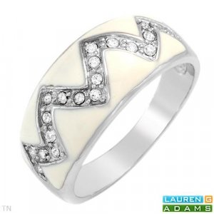 LAUREN G. ADAMS Irresistible Brand New Ring With Genuine Crystals
