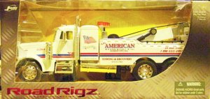 1:32 Scale Diecast Peterbilt Tow Truck White