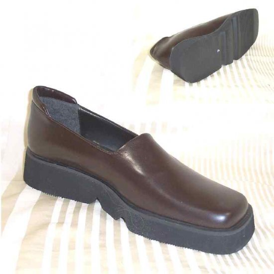 A. Marinelli Brown Patent Loafers Slip-Ons - Your Price $12.99 - Retail $104 - sz 6.5