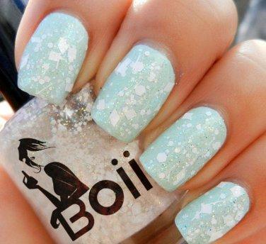 Boii Nail polish - it's snowing