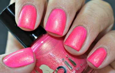 girls with pink hair - Boii Nail polish