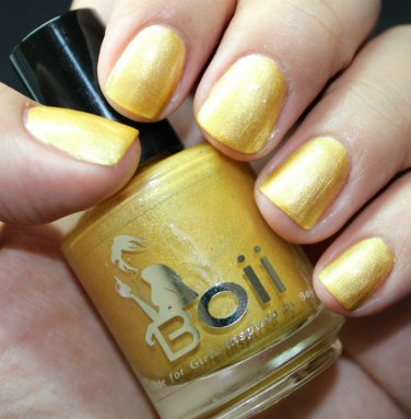 its  girl thing - Boii Nail polish