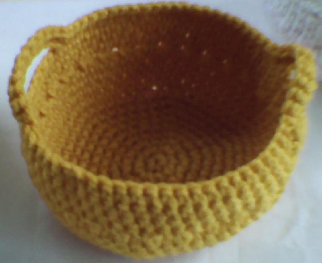 Crocheted Mini  basket with handle