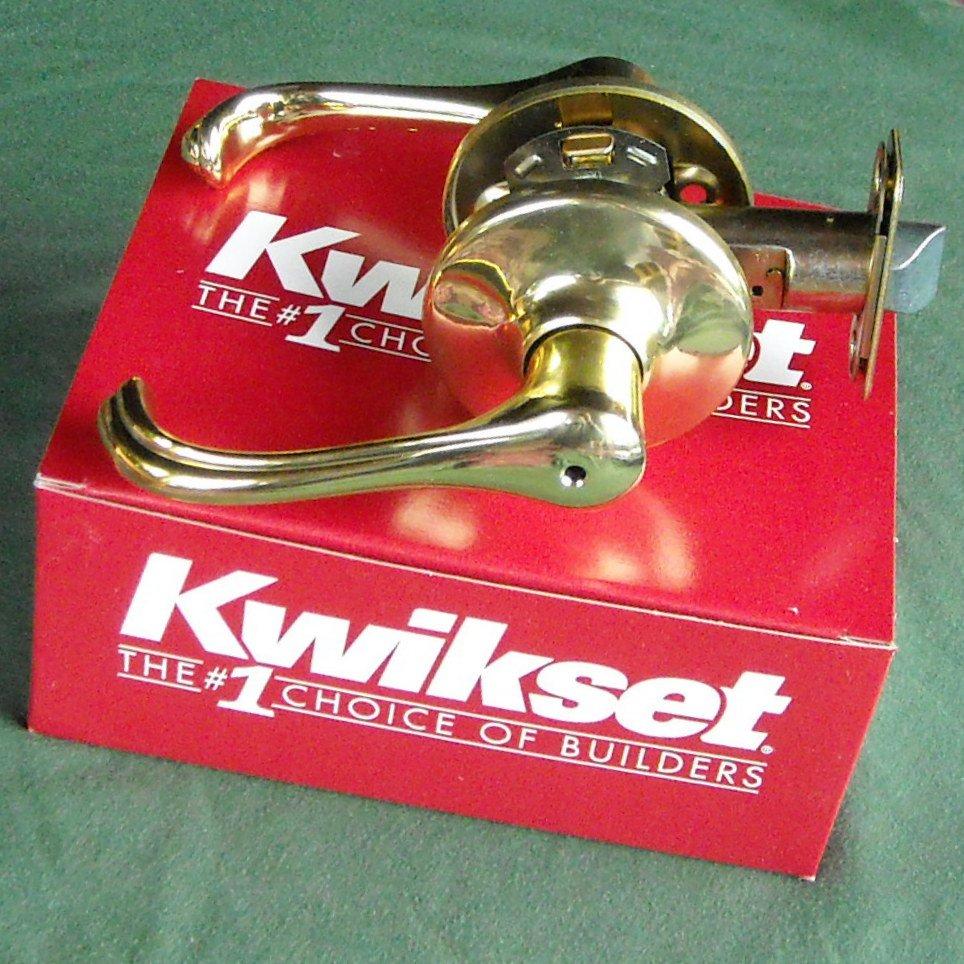 Kwikset Polished Brass Lever Lockset Privacy Bedroom Bath